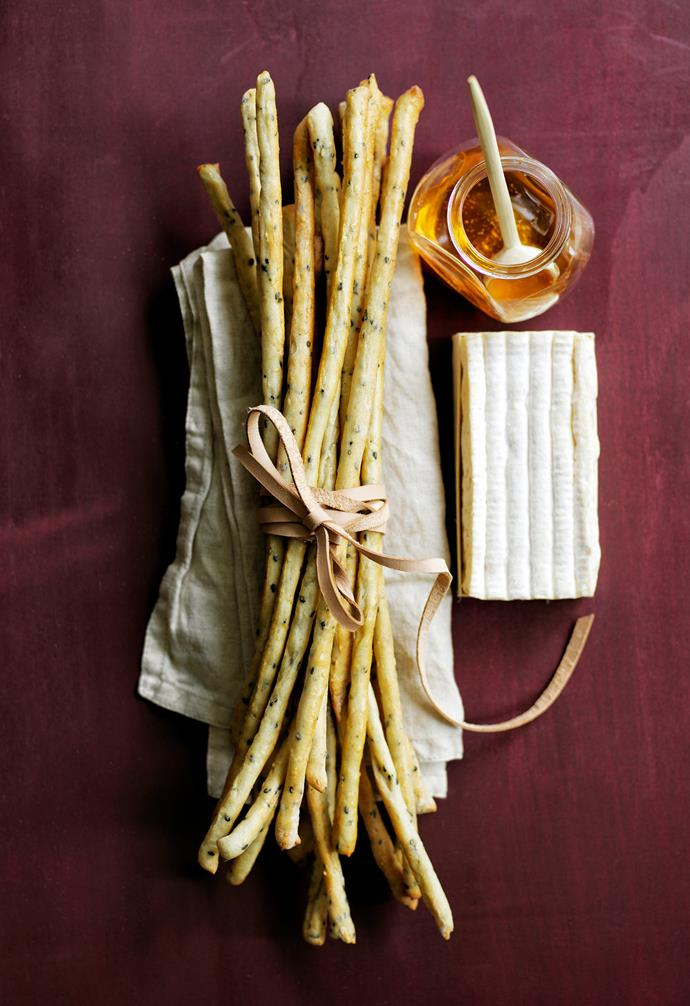 "**Grissini sticks** Wrap a bundle of freshly baked, homemade grissini with leather twine and a linen napkin, then pair with a wedge of soft cheese and a mini pot of organic honey (and tiny wooden spoon) for a great gourmet gift. **Get the look** *Washed linen napkin, $7.99, [H&M Home](https://www.hm.com/au|target=""_blank""