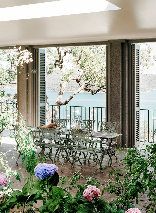 "It doesn't get much more Mediterranean than this [Italian-inspired villa in Sydney's Palm Beach](https://www.homestolove.com.au/palm-beach-villa-19320|target=""_blank""). ""I knew exactly what I wanted, says the owner. My family home [in Italy] was the inspiration, with a large central courtyard, a loggia and a colonnade, filled with hydrangeas and pink roses. I wanted to create the perfect atmosphere for entertaining and sunbathing."""