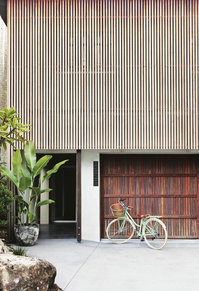 "*Architecture: [Teeland Architecture](https://www.teeland.com.au/|target=""_blank""|rel=""nofollow"") | Styling: Simone Barter | Photography: Anastasia Kariofyllidis*."