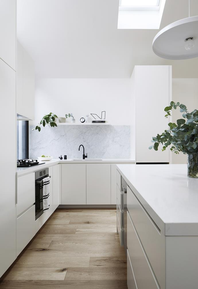 """**Hide it away** """"There's so much storage!"""" says Belinda of the joinery by [Madassor Group](http://www.madassor.com.au/ target=""""_blank"""" rel=""""nofollow""""). """"I'm able to store and access all of our favourite cooking pots without hassle."""""""