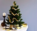 8 small space Christmas decorating ideas