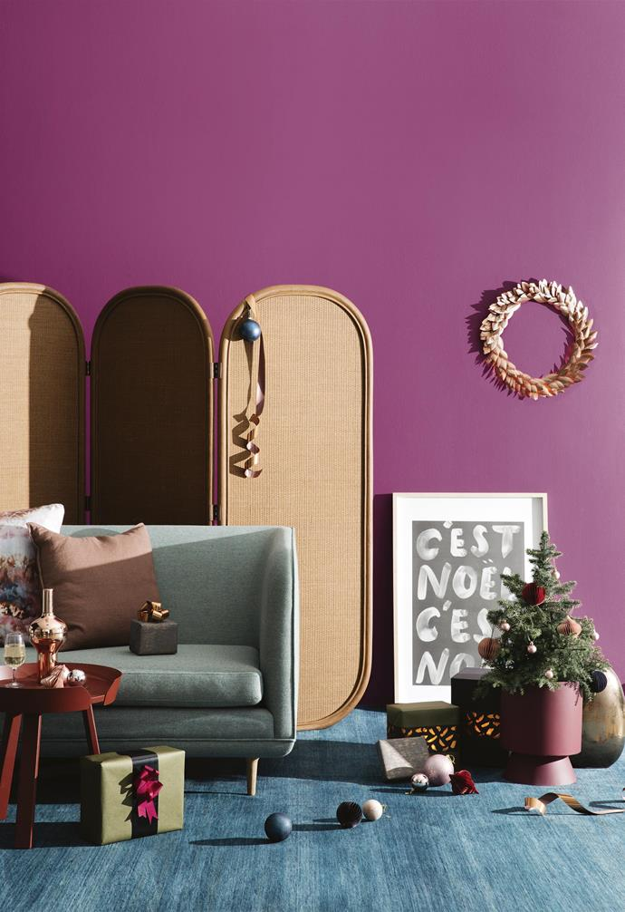 "**New luxe look** Sorting out your Christmas look? [Here are some of our favourite modern twists on the Christmas look](https://www.homestolove.com.au/christmas-colour-themes-19434|target=""_blank""). *Styling by Jono Fleming 