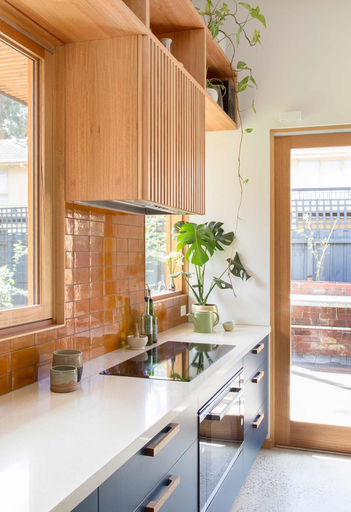 "**Sunlight** Timber-framed [glass doors and windows](https://www.homestolove.com.au/open-and-shut-shannon-vos-on-windows-and-doors-14811|target=""_blank"") allow ample sunlight to enter the kitchen, adding warmth to the space. *Project: [Brave New Eco](http://www.braveneweco.com.au/