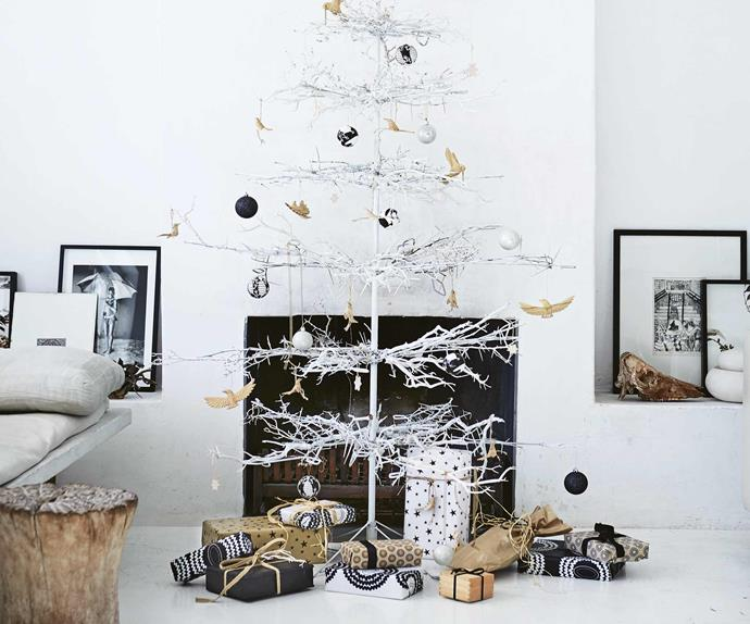 Are your getting your home ready for the festive season? Cape Town based stylist and creative consultant, Shelley Street, welcomed us into her stunning Scandi-style home and shared some easy tips for how you can create a handcrafted Christmas. <i>Styling by Shelley Street | Photography by Warren Heath/Bureaux</i>.