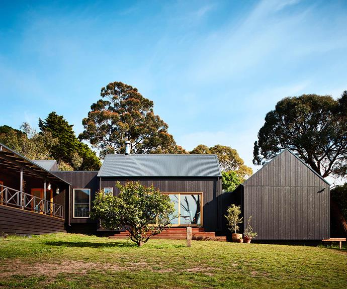 """**Transition** The outdoors is welcomed into the home with ample windows allowing lush views and [natural sunlight](https://www.homestolove.com.au/the-panel-how-to-make-the-most-of-natural-light-16759 target=""""_blank"""") to add to the home's character.  *Design: [Bryant Alsop](https://www.bryantalsop.com.au/ target=""""_blank"""" rel=""""nofollow"""")   Photography: Rhiannon Slatter*."""