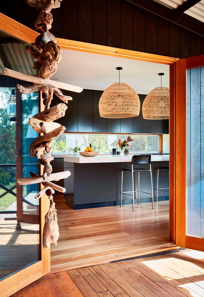 """**Welcome** Glass doors allow for easy movement between the indoors and the outdoors.  *Design: [Bryant Alsop](https://www.bryantalsop.com.au/ target=""""_blank"""" rel=""""nofollow"""")   Photography: Rhiannon Slatter*."""