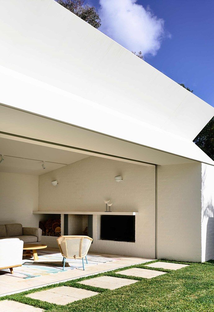"""**Bold geometry** One of the most striking features of the renovation is the use of geometry in the architecture - particularly in the new Modernist-style extension. *Design: [Kennedy Nolan](http://www.kennedynolan.com.au/ target=""""_blank"""" rel=""""nofollow"""")   Photography: Derek Swalwell*."""