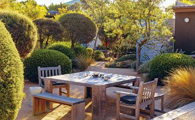 Explore this coastal garden in the Mornington Peninsula