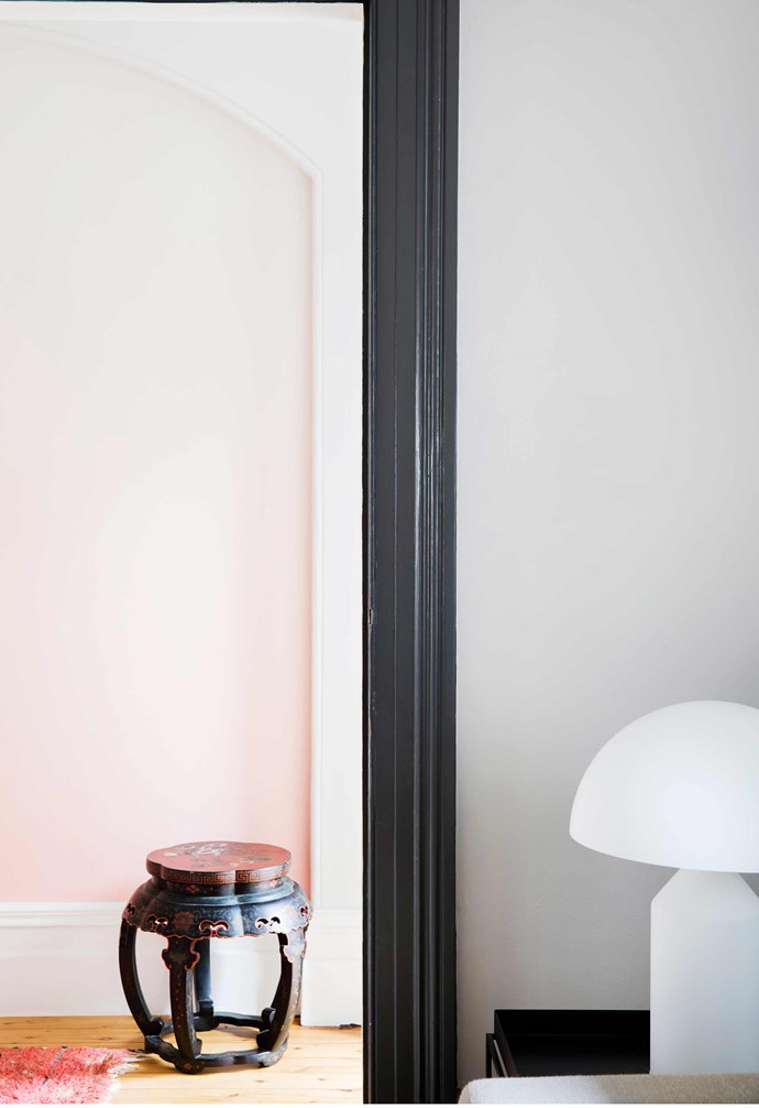 "**Hallway** A recessed panel of [textured ombré wallpaper](https://www.homestolove.com.au/wallpaper-inspiration-gallery-16923|target=""_blank"") from Calico's Aurora range introduces colour in a subtle, soothing way."