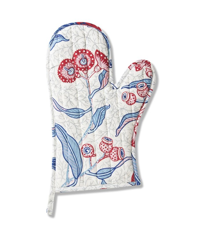 "'Rosella Red' oven mitt, $29, [Utopia Goods](http://utopiagoods.com target=""_blank"" rel=""nofollow"")"