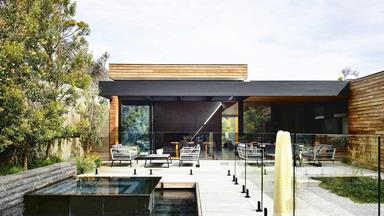 Native Indigenous plants thrive in this beachside home's coastal garden