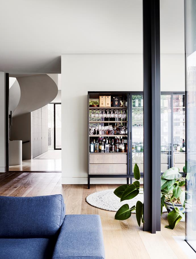 Melbourne home by Rob Mills Architecture & Interiors. Photograph by Mark Roper. From *Belle* May 2018.