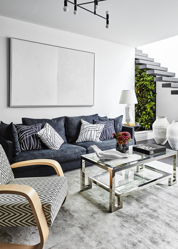 "Interior designer Melissa Koch took the reigns in refreshing this [Federation](https://www.homestolove.com.au/sydney-north-shore-federation-home-6204|target=""_blank"") townhouse in Sydney with modern furnishings while retaining the original character of the home. Photograph: Will Horner."