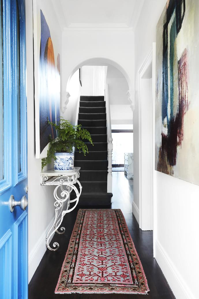 "A traditional [terrace](https://www.homestolove.com.au/10-inspiring-terrace-renovations-4724|target=""_blank"") house in Sydney's Woollahra, updated and filled with collected treasures, is home to art lover Patricia Roberts."