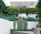 10 glorious coastal gardens