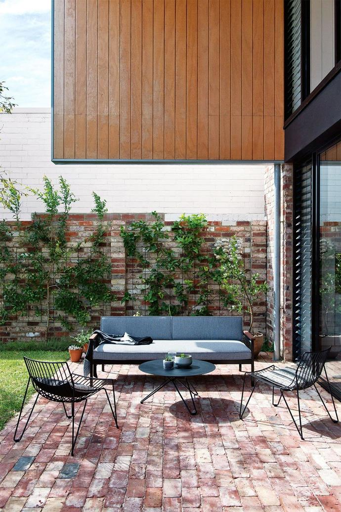"""**Backyard bliss** In this [award-winning family home in Perth](https://www.homestolove.com.au/step-inside-this-award-winning-family-home-in-fremantle-perth-17252