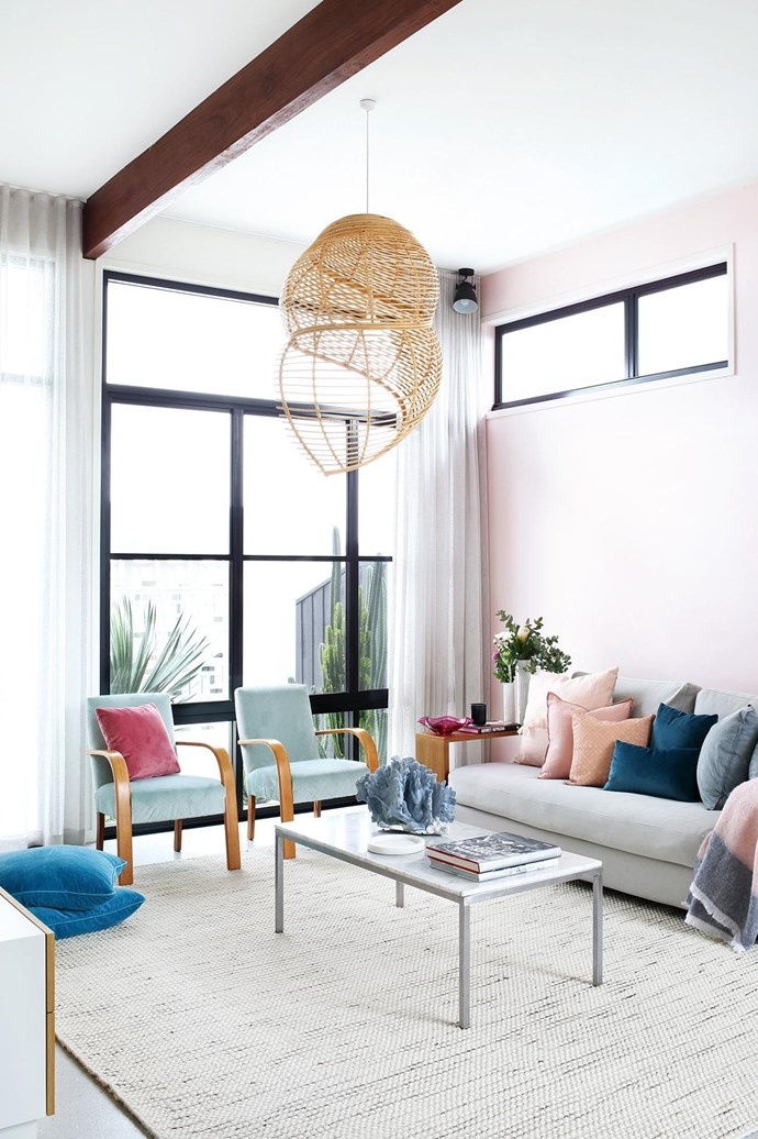 """**Colour play** Soft pastels pair beautifully with white walls in this [laid-back family home](https://www.homestolove.com.au/pops-of-pastel-and-laid-back-glamour-are-the-stars-of-this-family-home-18340 target=""""_blank"""") that makes the most of its natural light. *Architecture: [Create Architecture](http://createarchitecture.com.au/ target=""""_blank"""" rel=""""nofollow"""")   Builder: [Hammerhead Building](http://www.hammerheadbuilding.com.au/ target=""""_blank"""" rel=""""nofollow"""")   Styling: Simone Barter   Photography: Anastasia Kariofyllidis.*"""