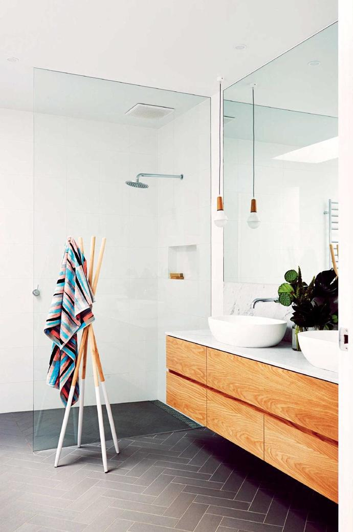 "**Timber touch** These [white and timber bathrooms](https://www.homestolove.com.au/the-best-white-and-timber-bathroom-designs-17765|target=""_blank"") have a clean and warm aesthetic. *Styling: Emma O'Meara 