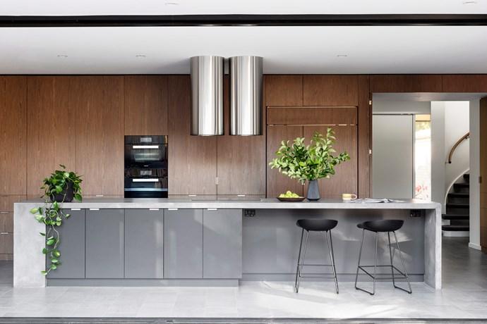 Integrated appliances help this kitchen achieve a high level of design cohesiveness. *Photo: Martina Gemmola / bauersyndication.com.au*
