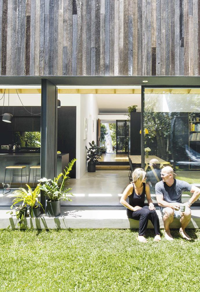 **Exterior** With the sliding doors pushed open, Steve and Dani can enjoy the sunshine and cross-ventilation, thanks to the sea breezes.