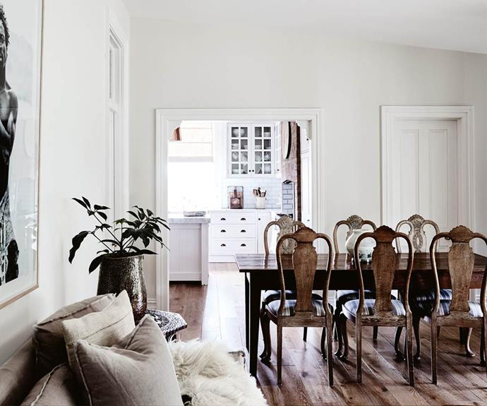 A Tasmanian cottage decorated with antique furniture