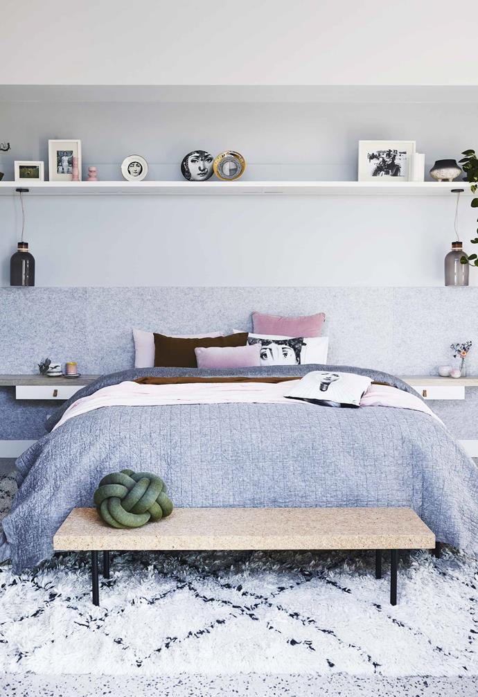 "*Design: [Green Apple Interiors & Design](http://greenappleid.com.au/ target=""_blank"" rel=""nofollow"")   Build: Todd Williams Building   Styling: Jono Fleming   Photography: Anson Smart*."