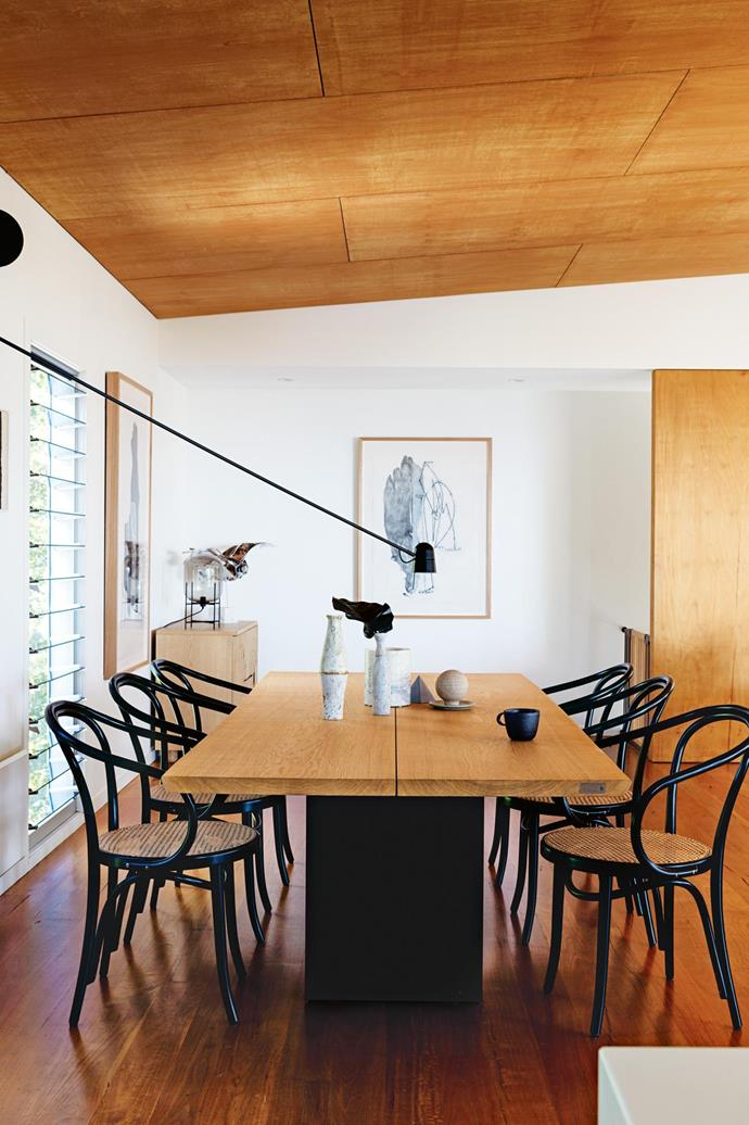 "[Take the tour of this serene beach house inspired by nature](https://www.homestolove.com.au/tour-a-serene-beach-house-inspired-by-nature-18226|target=""_blank"") 