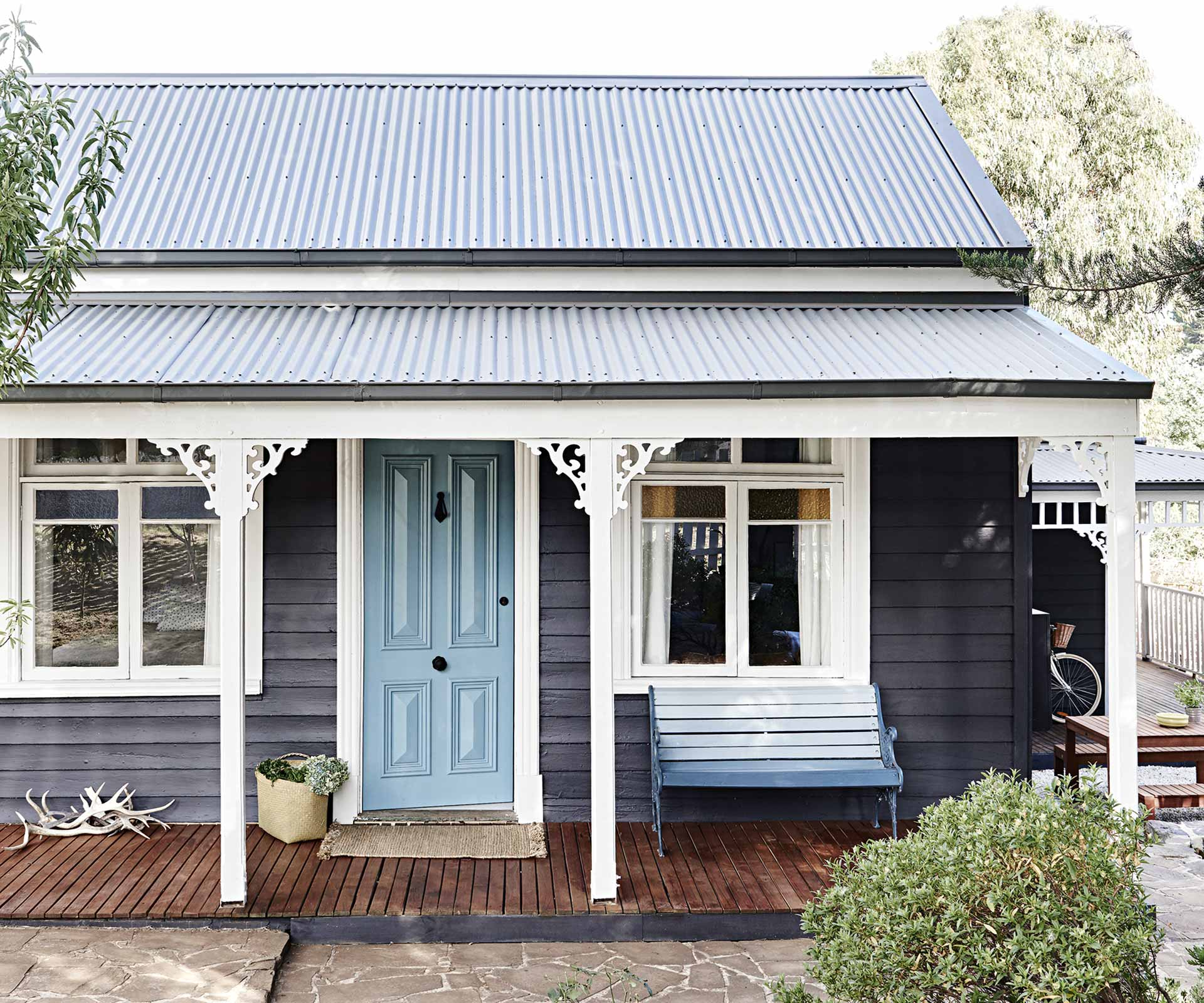 An interior designer's Daylesford weatherboard cottage | Inside Out
