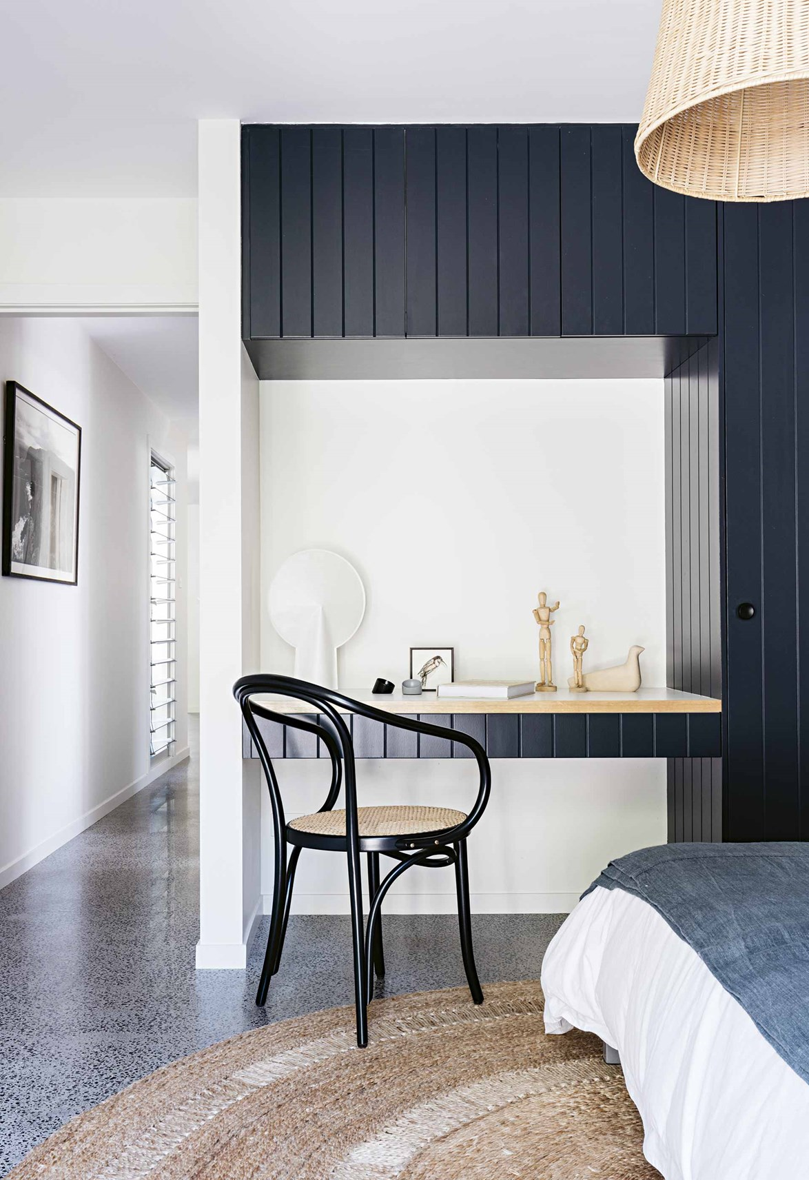 """<p>**TO TRANSFORM A WARDROBE INTO A WONDERFUL FEATURE**<p> <p>A panelled wardrobe becomes a feature wall in its own right in this [coastal home on McMaster's Beach](https://www.homestolove.com.au/macmasters-beach-house-18226