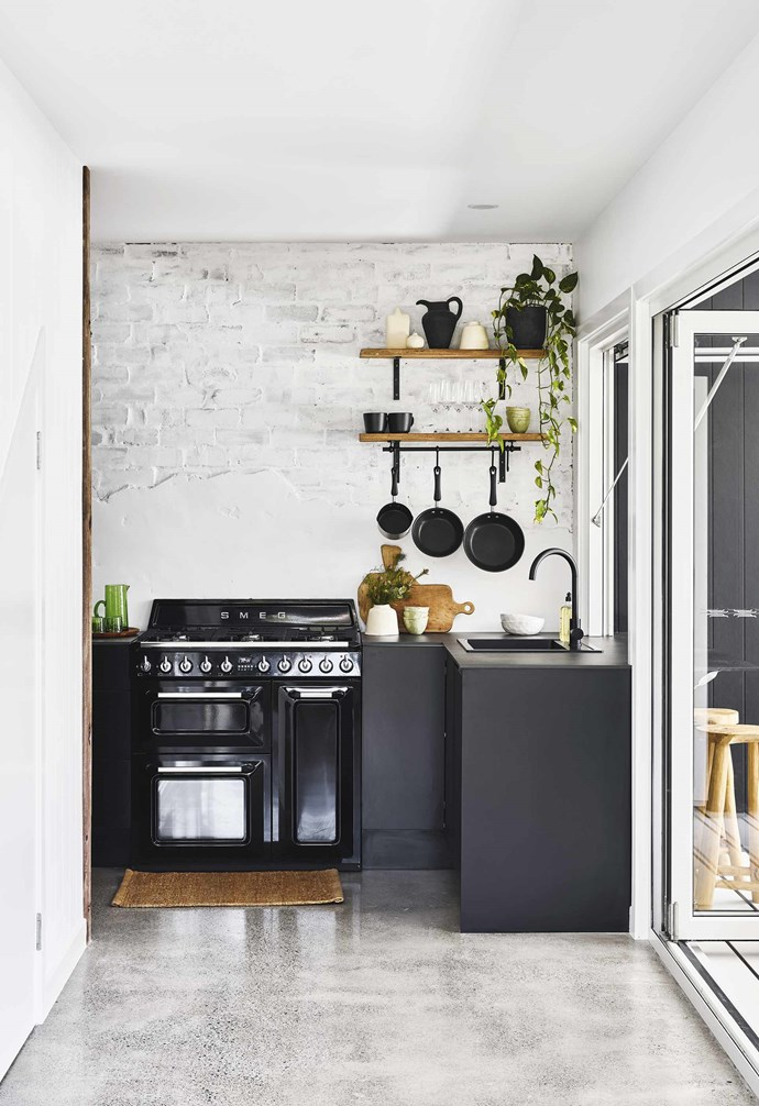 "**Small but mighty** In this [compact Queensland pool house](https://www.homestolove.com.au/pool-house-19517|target=""_blank"") every spare centimetre was of vital importance. This compact kitchen features clever storage solutions to make the most of its space. *Design: [Vacay Co](https://www.instagram.com/vacayco/?hl=en
