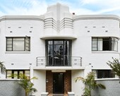 An Art Deco apartment in Melbourne is for sale