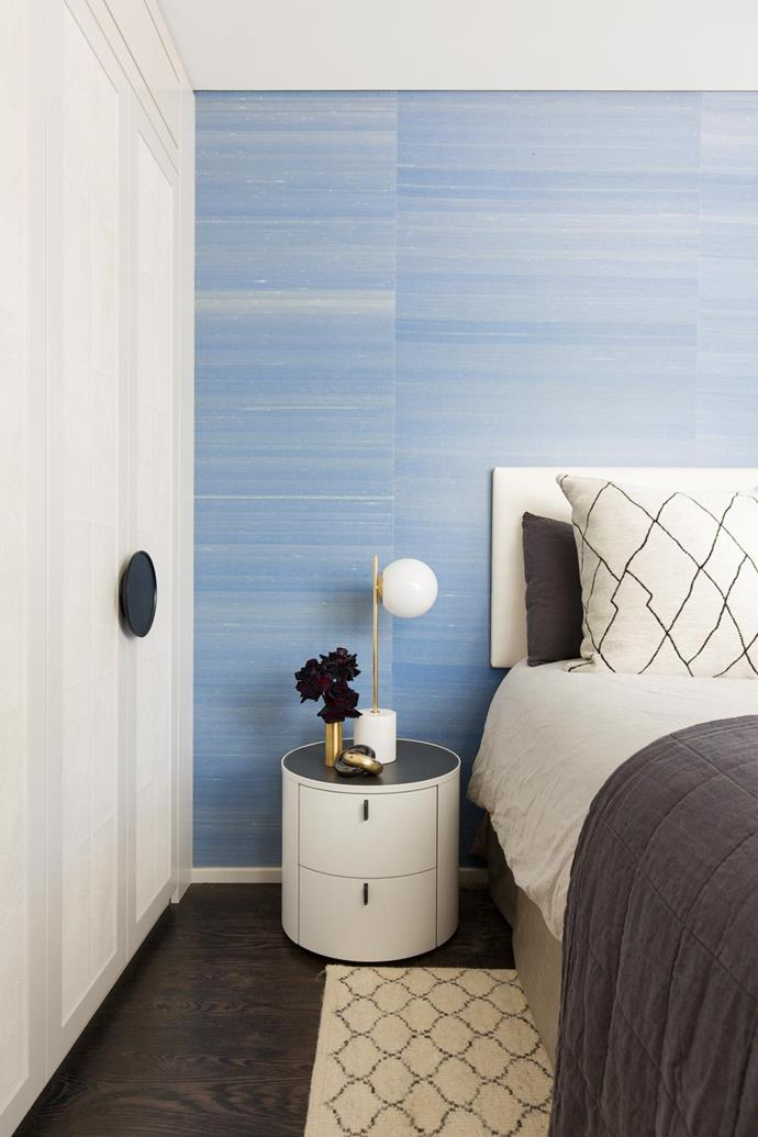 Phillip Jeffries blue silk wallpaper from The Textile Company. Bedlinen from Cultiver. Rug from Armadillo&Co.