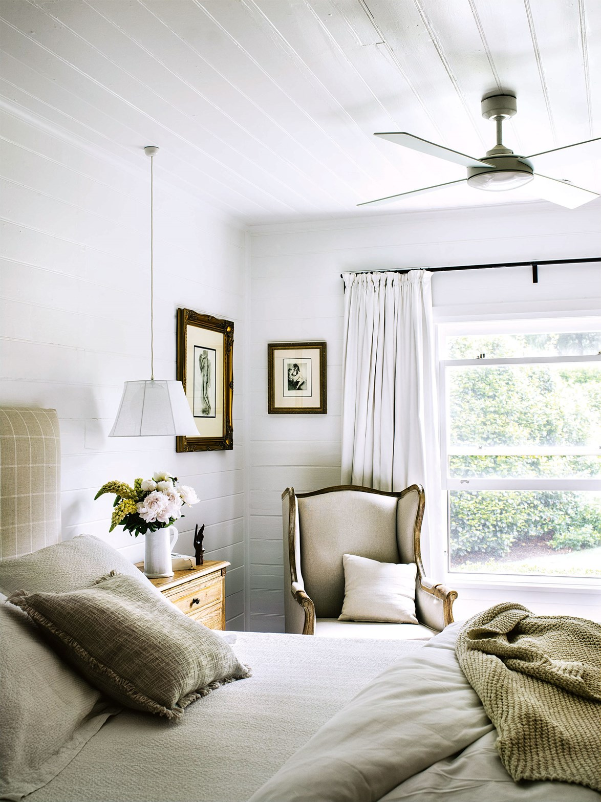 """Two front bedrooms were combined to create a grand master suite at this Southern Highlands [cottage with a glass rear extension](https://www.homestolove.com.au/cottage-glass-extension-13650