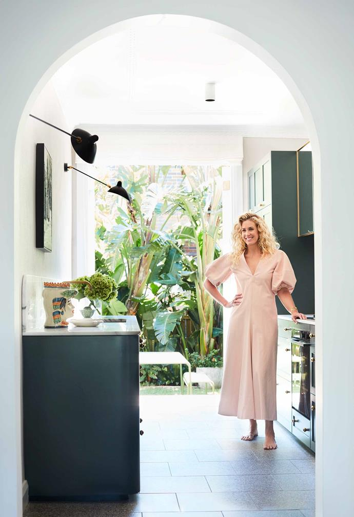 """**Juliette Arent 