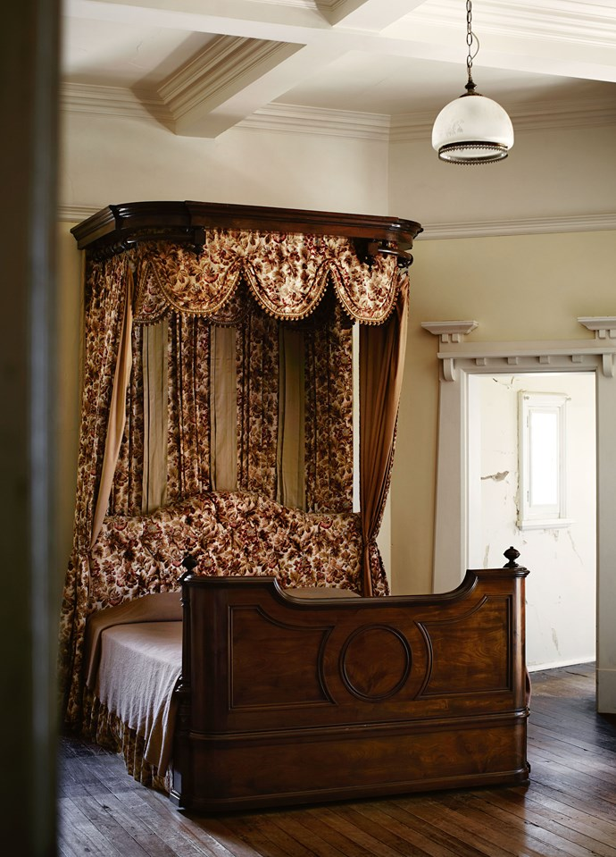 This magnificent half tester bed was one of David Morris's main furniture acquisitions during the restoration.