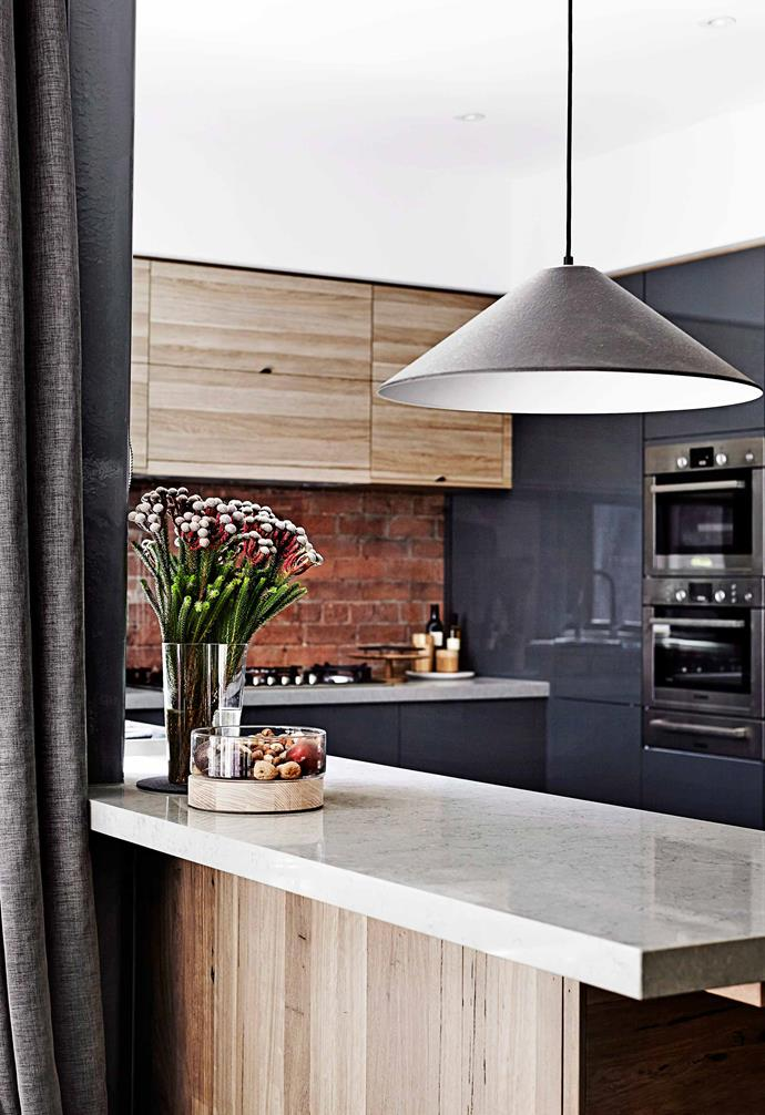 "**Another brick in the wall** Exposed bricks are a common design feature when it comes to industrial interior style, and here, Kyal and Kara incorporated the red brick splashback beautifully into this contemporary kitchen. *Design: [Kyal and Kara](http://www.kyalandkara.com/|target=""_blank""