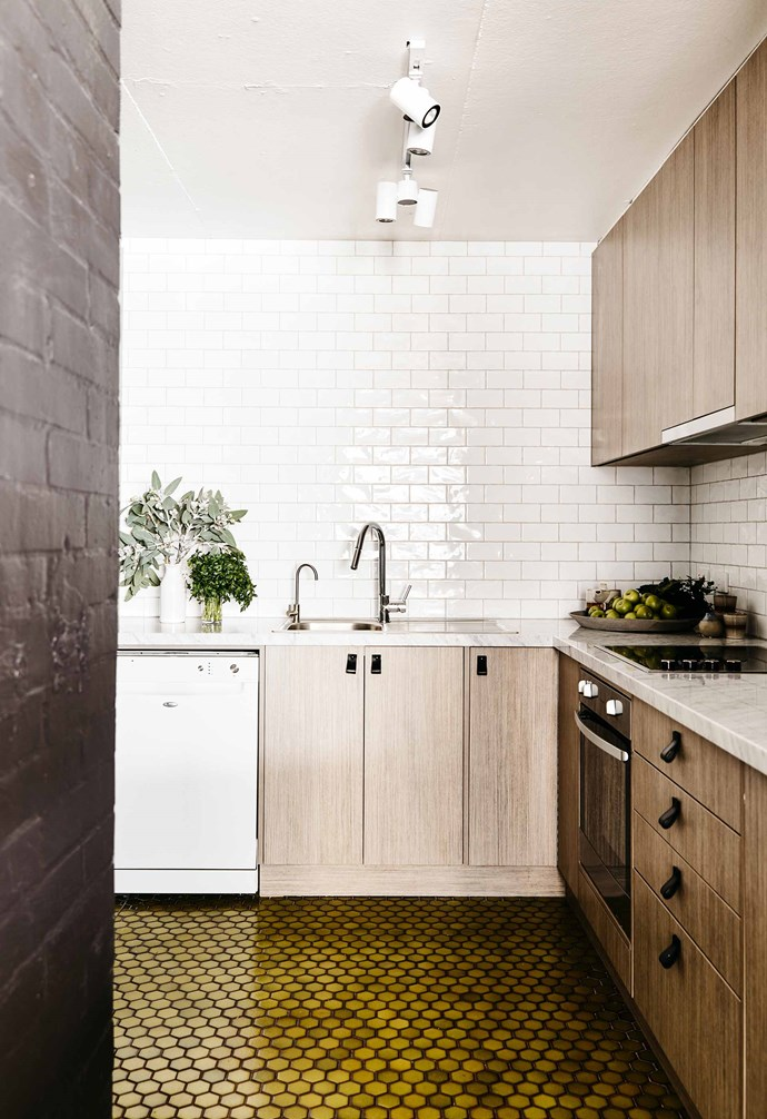 """**Cult classic** White subway tiles are one of the most [popular kitchen splashbacks](https://www.homestolove.com.au/splashback-ideas-for-kitchens-5481 target=""""_blank"""") and for good reason - the classic look is incredibly versatile and looks good no matter what! Pair your white subway tiles with white grout for a clean look, or [choose black grout for a higher contrast](https://www.homestolove.com.au/tips-for-choosing-grout-colour-15075 target=""""_blank""""). In this [chic apartment](https://www.homestolove.com.au/tour-this-chic-apartment-inspired-by-retro-70s-style-ski-chalets-18665 target=""""_blank"""" rel=""""nofollow"""") the high-gloss subway tiles make the kitchen feel more spacious than it is. *Design: [Rebecca Clark Design](https://www.instagram.com/rebeccaclark.design/?hl=en target=""""_blank"""" rel=""""nofollow"""")   Photography: Derek Swalwell*."""