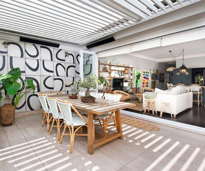 "A graphic wall mural adds a pop of personality to the outdoor room. *Image courtesy of [Domain](https://www.domain.com.au/4-22-24-blaxland-road-bellevue-hill-nsw-2023-2014980183|target=""_blank""