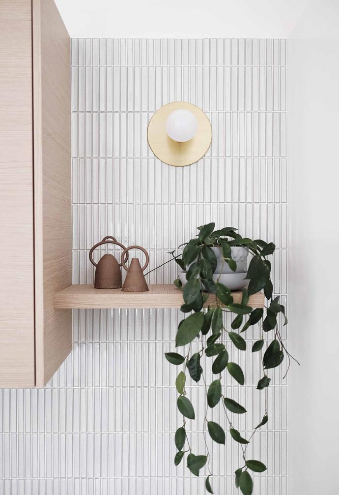 "**Shelf life** A simple timber floating shelf is the ideal perch for a [potted plant](https://www.homestolove.com.au/top-performing-potted-plants-for-your-garden-2183|target=""_blank"") and display-worthy items."