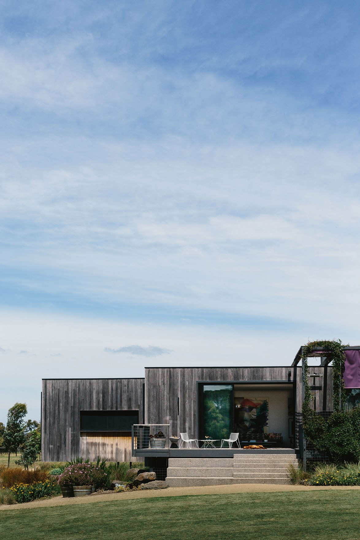 """This [modern lake house](https://www.homestolove.com.au/modern-lake-house-design-13813