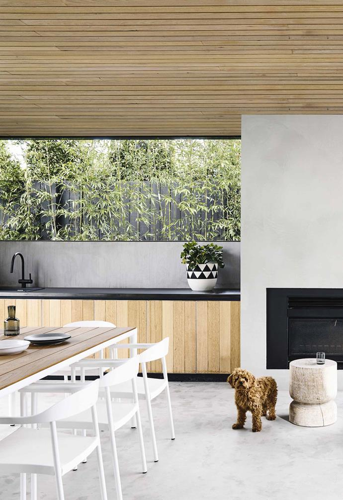 """This outdoor kitchen in Melbourne, designed by [InForm Design](https://informdesign.com.au/