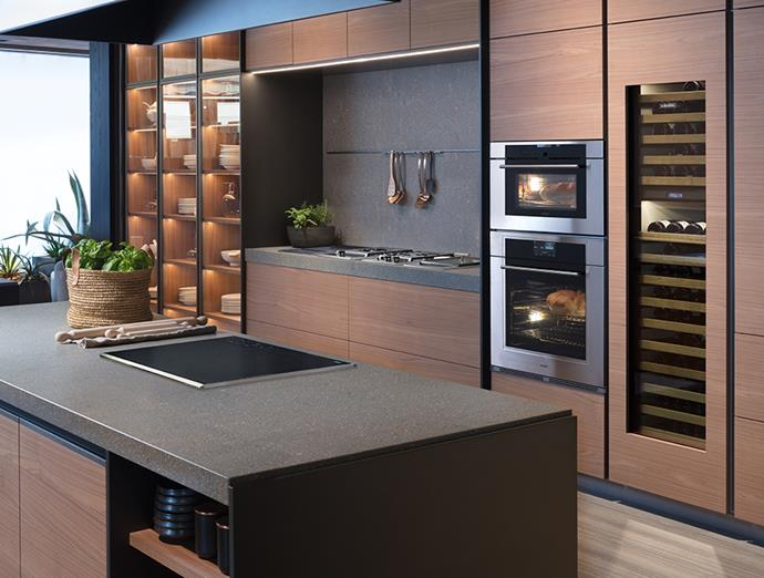 "Designed to be a talking point, this entertainer's kitchen is made complete with the addition of [Sub-Zero's Wine Preservation Unit](https://au.subzero-wolf.com/en/sub-zero/wine-cooler/icbiw-24|target=""_blank""