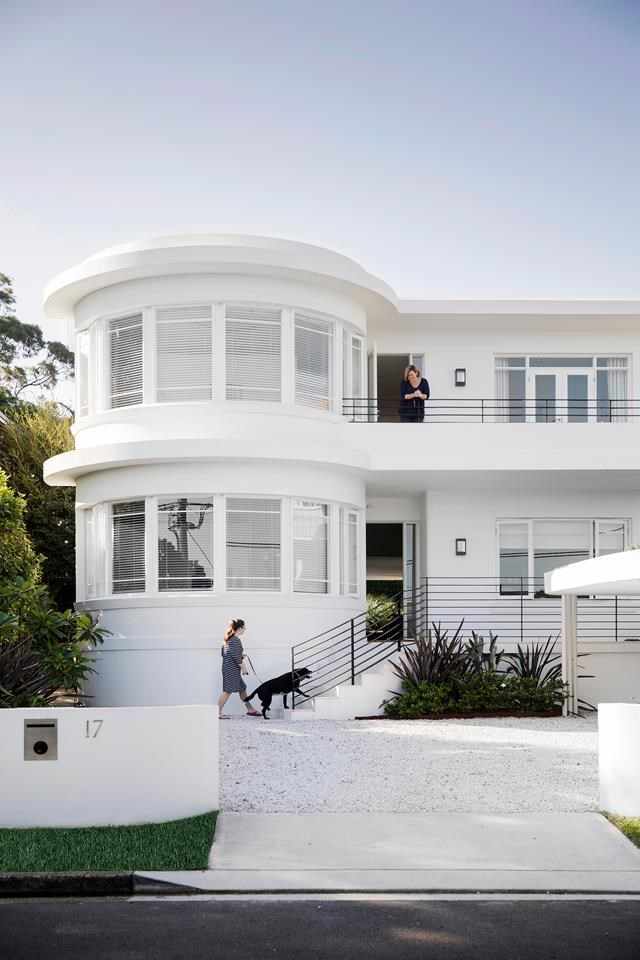 "This Art Deco home on Sydney's lower north shore looked as if its best days had sailed, but a [masterful restoration](https://www.homestolove.com.au/restoration-of-an-old-art-deco-home-6554|target=""_blank"") has changed its course forever. *Photograph*: Chris Warnes 