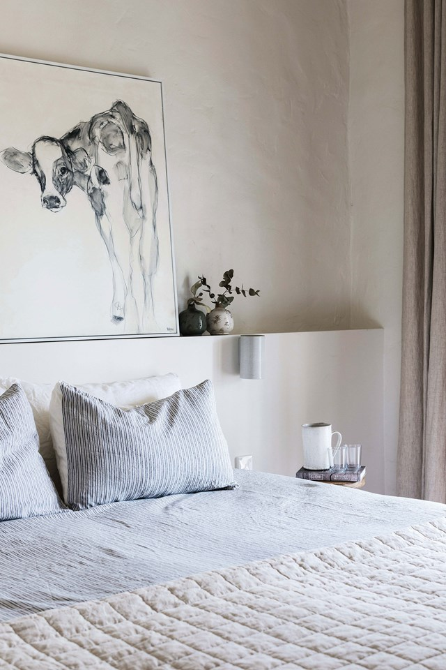 """The hero of this bedroom at Edwina Bartholomew's [farm cottage in the Blue Mountains](https://www.homestolove.com.au/farm-cottage-blue-mountains-19902