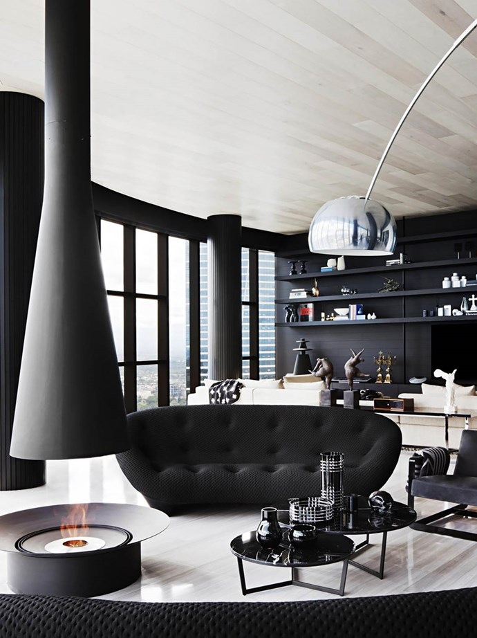 Fitt de Felice was asked to create a luxurious, stylish and comfortable family home that would also be a great place for entertaining. Filiofocus '2000 Central' fireplace from Oblica. *Photograph*: Shannon McGrath. From *Belle* February/March 2018.