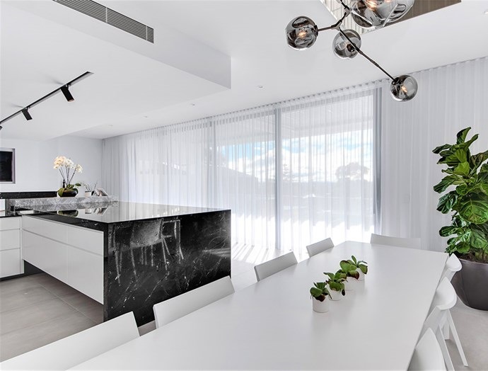 """The finishing touch to this luxurious contemporary kitchen, [Victory Blinds](https://www.victoryblinds.com.au/