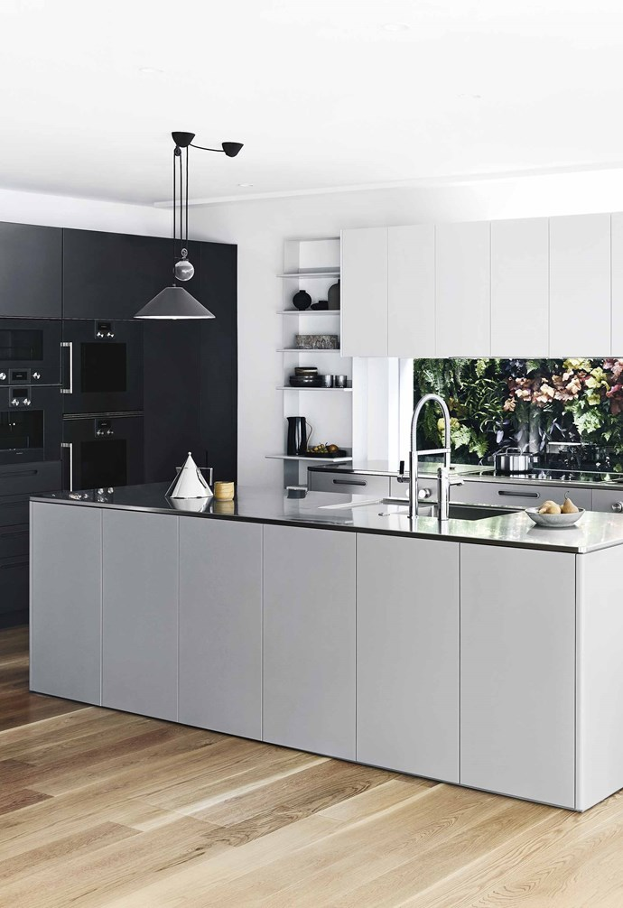 **Tri tones** The Tableau kitchen comes in three colours. Afternoon-Dusk was selected for this project.
