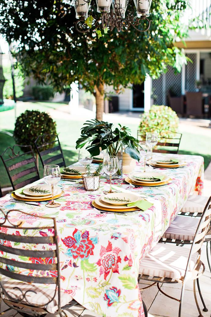 "**Entertain alfresco:** If the weather permits, soak up the Autumn sun and host your get-together outdoors. The best thing about [entertaining outdoors](https://www.homestolove.com.au/5-tips-for-the-ultimate-outdoor-entertaining-area-3565|target=""_blank"") is that you can keep decorations to a minimum and let the natural beauty around you do all the work. A nice table cloth and some fresh flowers is all you need. *Photo:* Maree Homer / *bauersyndication.com.au*"