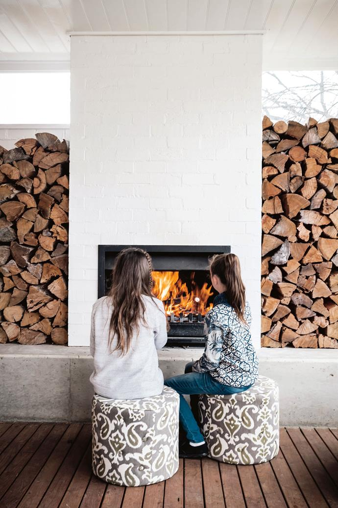 """Located in the heart of the Snowy Mountains, the town of Cooma, NSW gets *cold*. Here, an outdoor fireplace on the back verandah makes the outdoor spaces inviting even in the middle of winter. The owners of this [restored heritage property](https://www.homestolove.com.au/heritage-property-restoration-12076