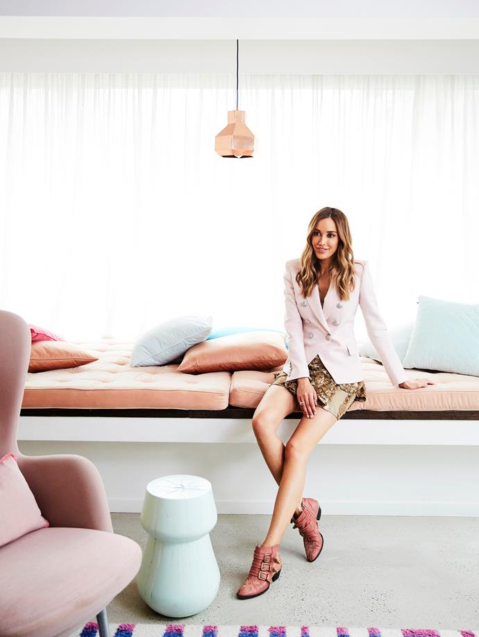 "Not surprisingly, entrepreneur, TV and radio presenter and fashionista Rebecca Judd has an enviable walk-in wardrobe in her [luxurious Melbourne home](https://www.homestolove.com.au/inside-rebecca-judds-home-via-instagram-5486|target=""_blank""). Here lighting is king, pastels reign supreme, culling is essential and the traditional ""dumping chair"" has been upgraded to an ottoman. [Take a peek inside >](https://www.homestolove.com.au/bec-judd-wardrobe-6563